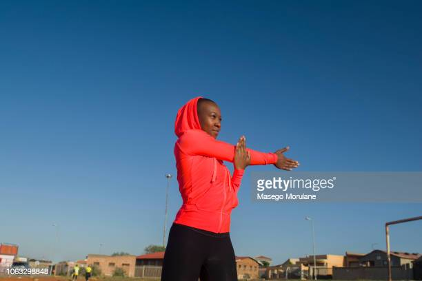 black woman in fitness - showus stock pictures, royalty-free photos & images