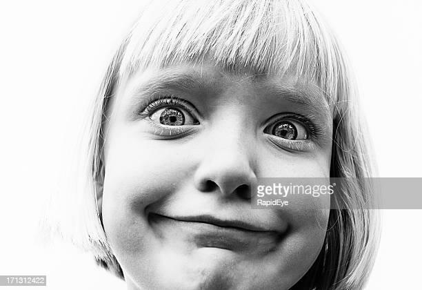 ブラックとホワイトのキュートな少女のポートレート引く面白い顔 - funny black girl ストックフォトと画像