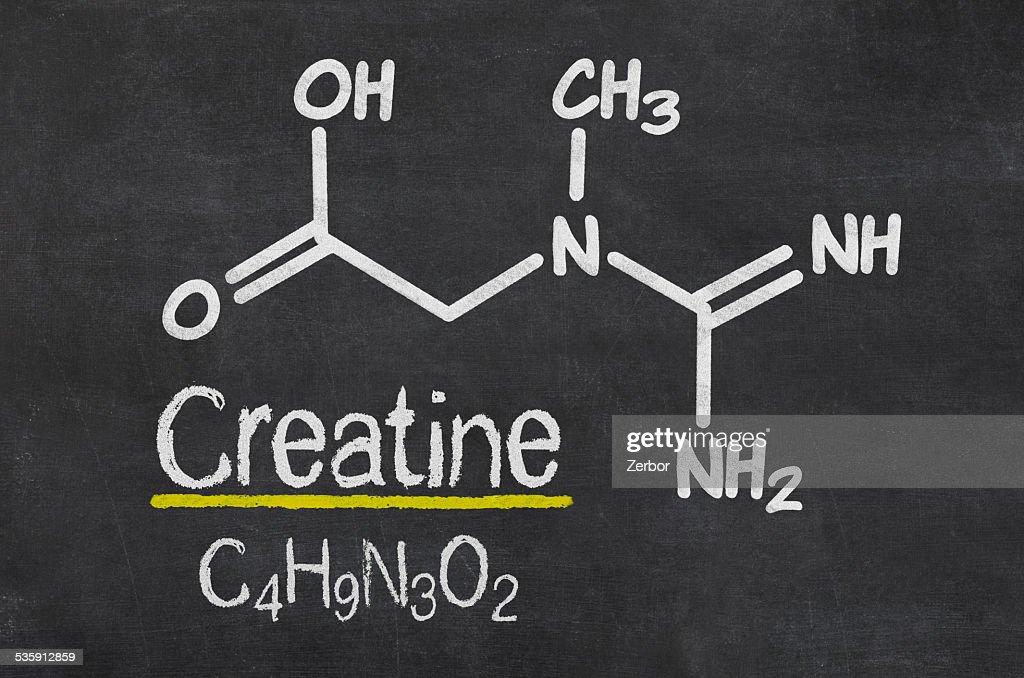Quadro Negro com a fórmula química da creatina : Foto de stock