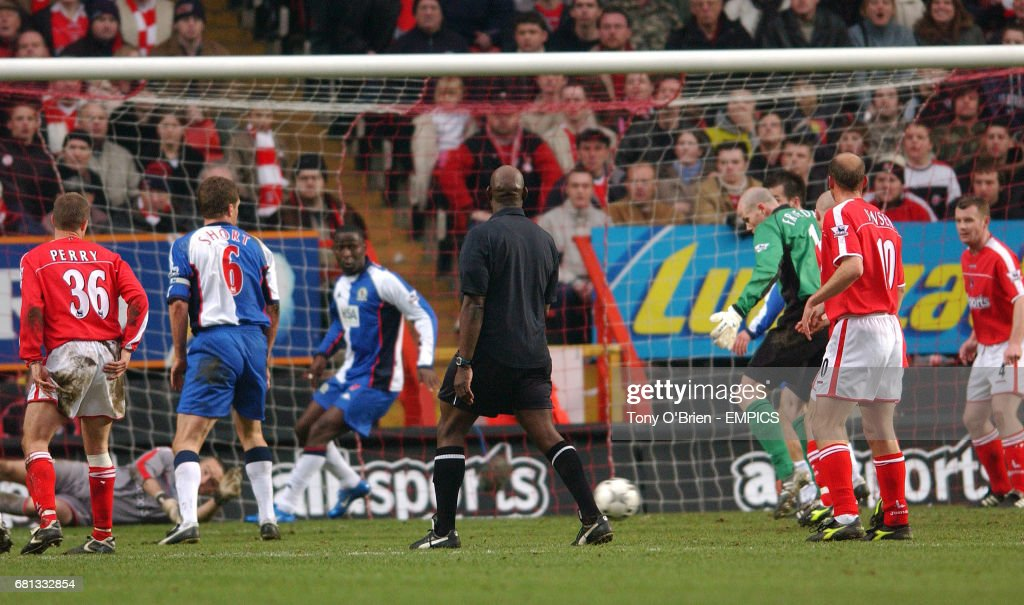 Blackburn Rovers' Brad Friedel scores the equalising goal News Photo - Getty Images