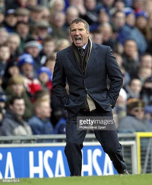 Blackburn Rovers manager Graeme Souness shouting during the FA Barclaycard Premiership match between Blackburn Rovers and Southampton at Ewood Park...