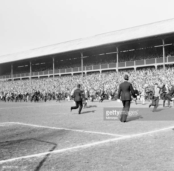 Blackburn Rovers v Manchester United, league match at Ewood Park, Saturday 3rd April 1965. Half time score 0-0. Manchester United and Blackburn...