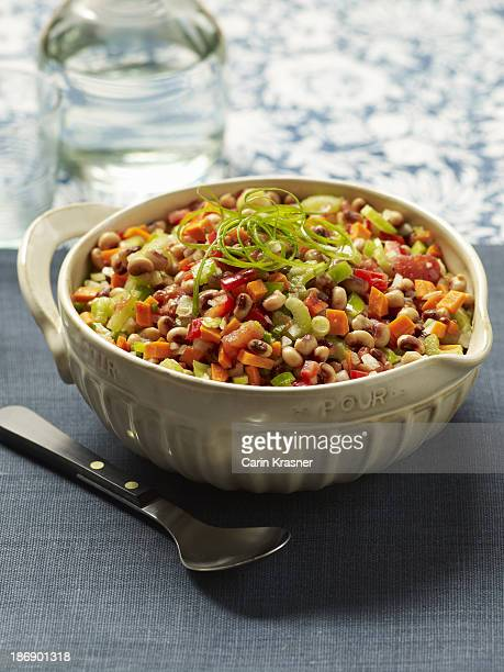 black-eyed pea and stewed tomato salad - black eyed peas food stock pictures, royalty-free photos & images