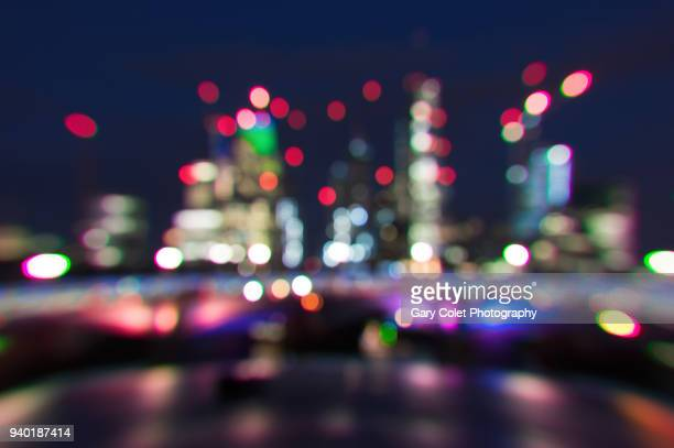 blackfriars bridge at night, defocussed bokeh - gary colet stock pictures, royalty-free photos & images