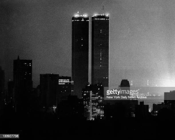 1977 blackout power failure leaving the Manhattan skyline in darkness