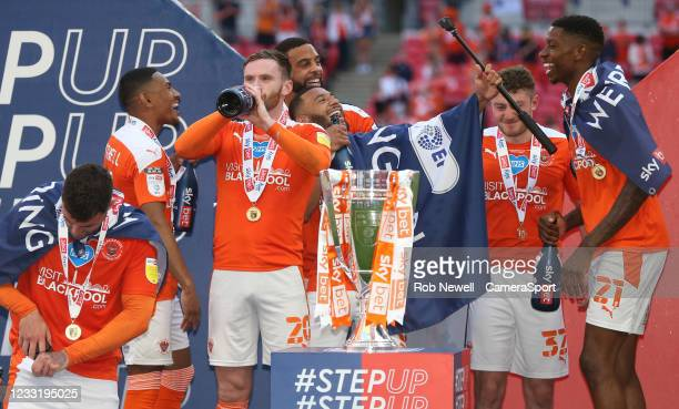 Blackpool celebrate during the Sky Bet League One Play-off Final match between Blackpool and Lincoln City at Wembley Stadium on May 30, 2021 in...