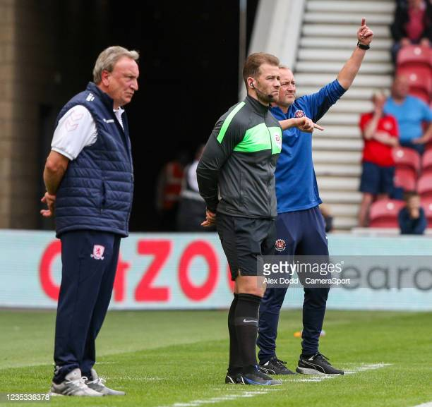 Blackpool manager Neil Critchley shouts instructions to his team from the technical area during the Sky Bet Championship match between Middlesbrough...