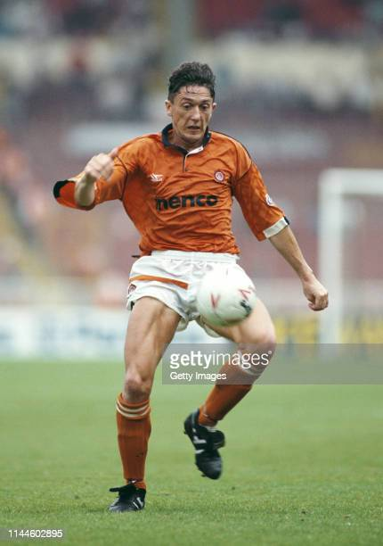 Blackpool player David Eyres in action during the 1992 Football League Fourth Division play-off Final against Scunthorpe at Wembley Stadium on May...