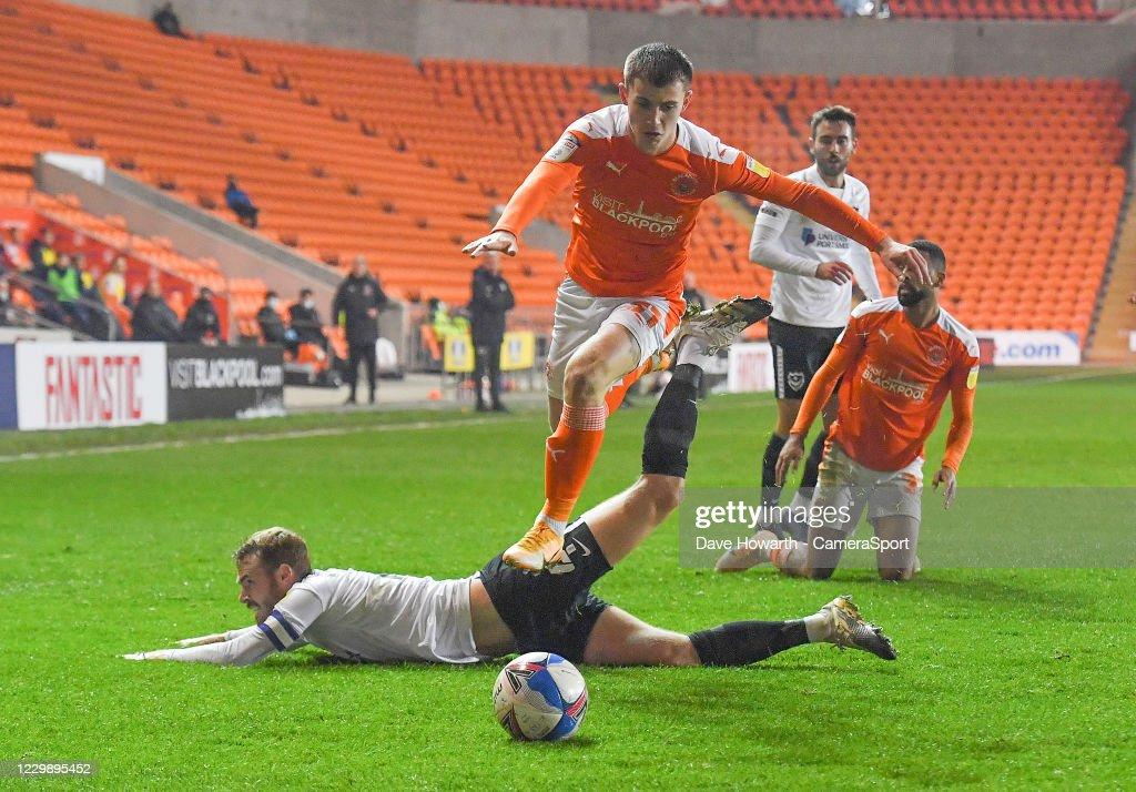 Blackpool v Portsmouth - Sky Bet League One : ニュース写真