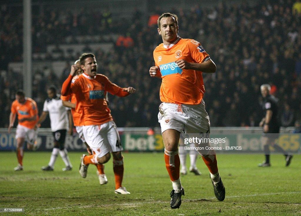Soccer - Barclays Premier League - Blackpool v Tottenham Hotspur - Bloomfield Road : News Photo