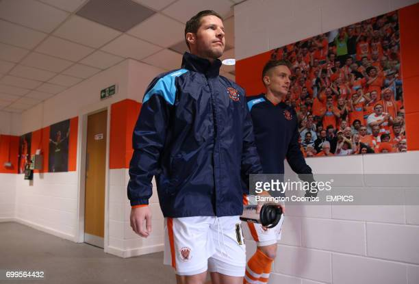 Blackpool's David Norris and Jarrett Rivers make their way from the tunnel before the game
