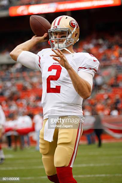 Blaine Gabbert of the San Francisco 49ers warms up on the field prior to the game against the Cleveland Browns at Browns Stadium on December 13 2015...