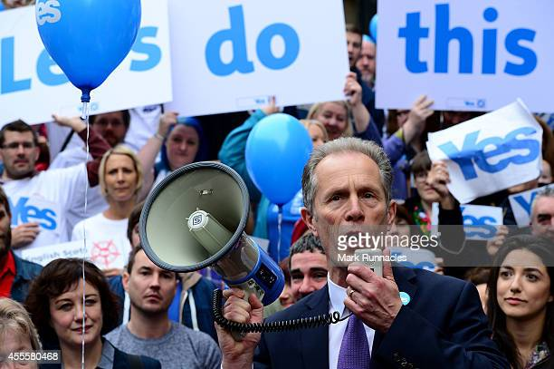 Blair Jenkins Chief Executive of Yes Scotland speaks during a Yes rally on Buchanan Street during the final day of campaigning for the scottish...