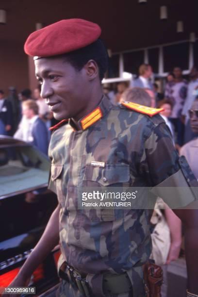 Blaise Compaoré, ministre de la justice lors d'un voyage officiel de François Mitterrand le 18 novembre 1986 à Ouagadougou, Burkina Faso