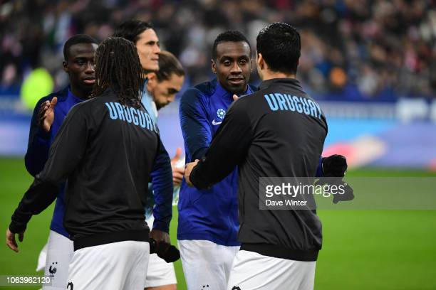Blaise Matuidi of France greets Luis Suarez of Uruguay before the International Friendly match between France and Uruguay at Stade de France on...