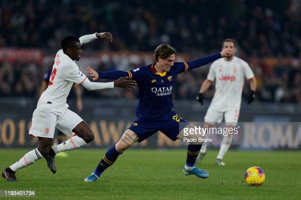 Blaise Matuidi of Juventus competes for the ball with Nicolo' Zaniolo of AS Roma during the Serie A match between AS Roma and Juventus at Stadio...