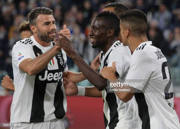 Blaise Matuidi of Juventus FC celebrates his goal with his teammates during the Serie A match between Juventus and Bologna FC at Allianz Stadium on...