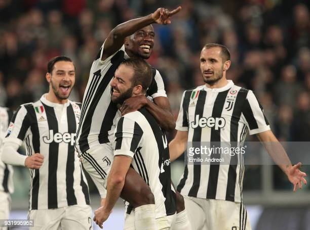 Blaise Matuidi of Juventus FC celebrates his goal with his teammates Gonzalo Higuain Mattia De Sciglio and Giorgio Chiellini during the serie A match...