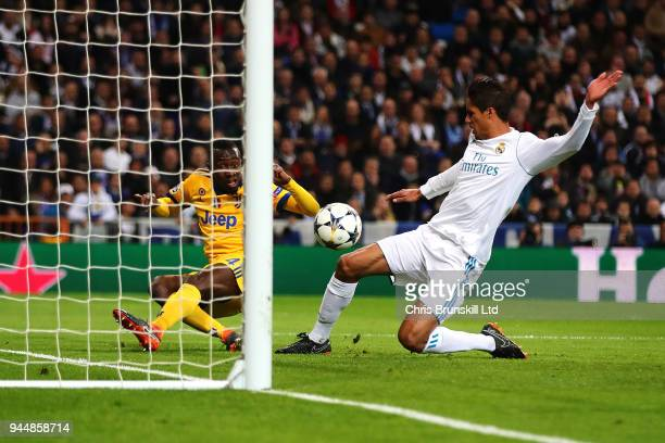 Blaise Matuidi of Juventus scores his side's third goal during the UEFA Champions League Quarter Final second leg match between Real Madrid and...