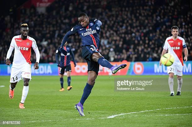 Blaise Matuidi of Paris Saint Germain during the French Ligue 1 match between Paris SaintGermain v AS Monaco at Parc des Princes on March 20 2016 in...