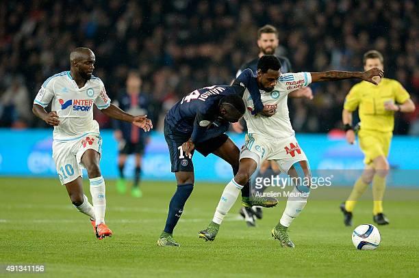Blaise Matuidi of Paris SaintGermain fight for the ball during the Ligue 1 game between Paris SaintGermain and Olympique de Marseille at Parc des...