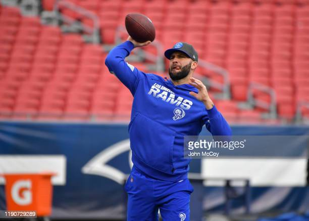 Blake Bortles of the Los Angeles Rams warms up before playing the Arizona Cardinals at Los Angeles Memorial Coliseum on December 29, 2019 in Los...