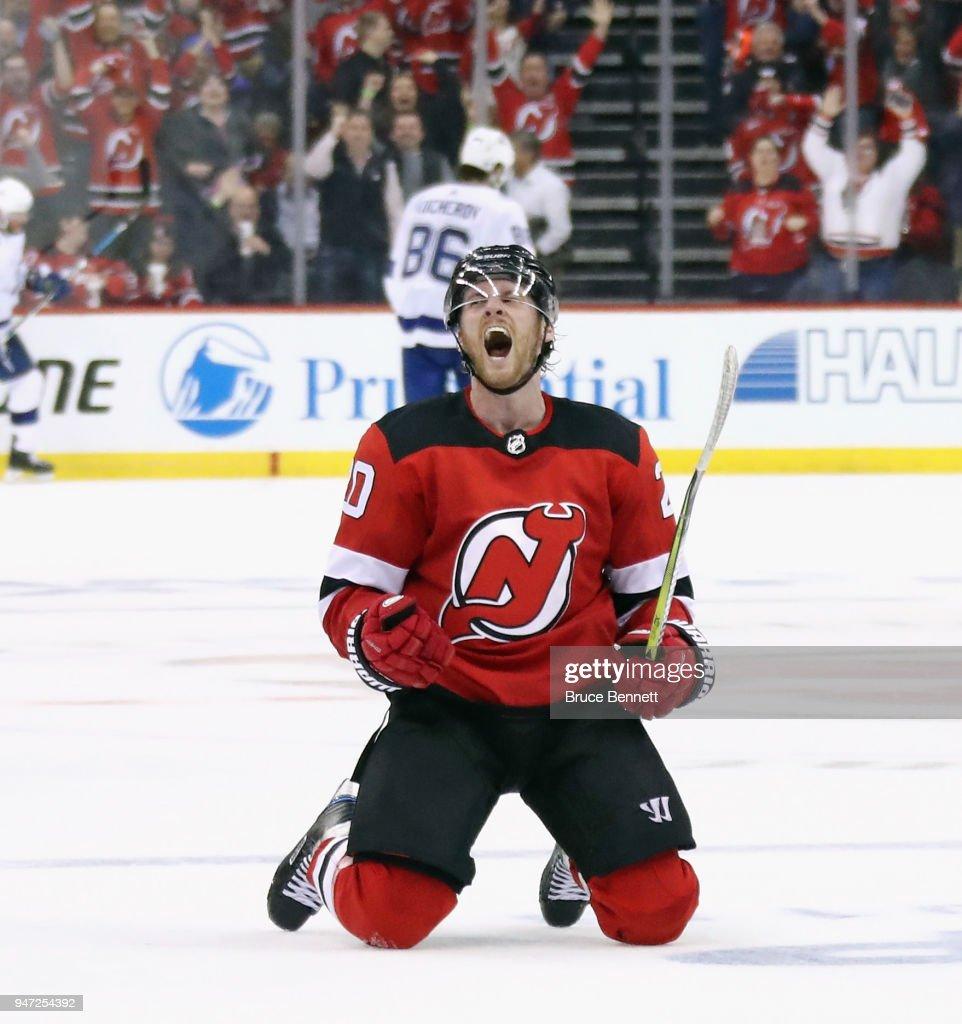 Tampa Bay Lightning v New Jersey Devils - Game Three : Fotografía de noticias