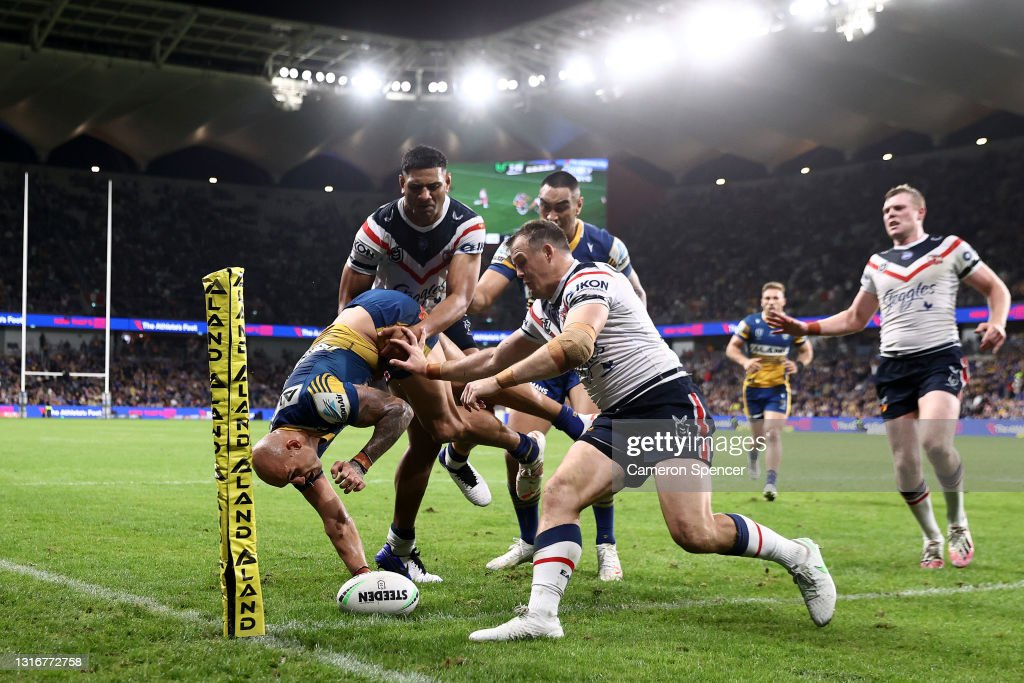 NRL Rd 9 - Eels v Roosters : News Photo
