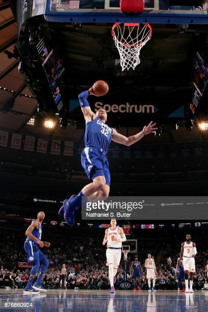 Blake Griffin of the LA Clippers dunks the ball during the game against the New York Knicks on November 20 2017 at Madison Square Garden in New York...