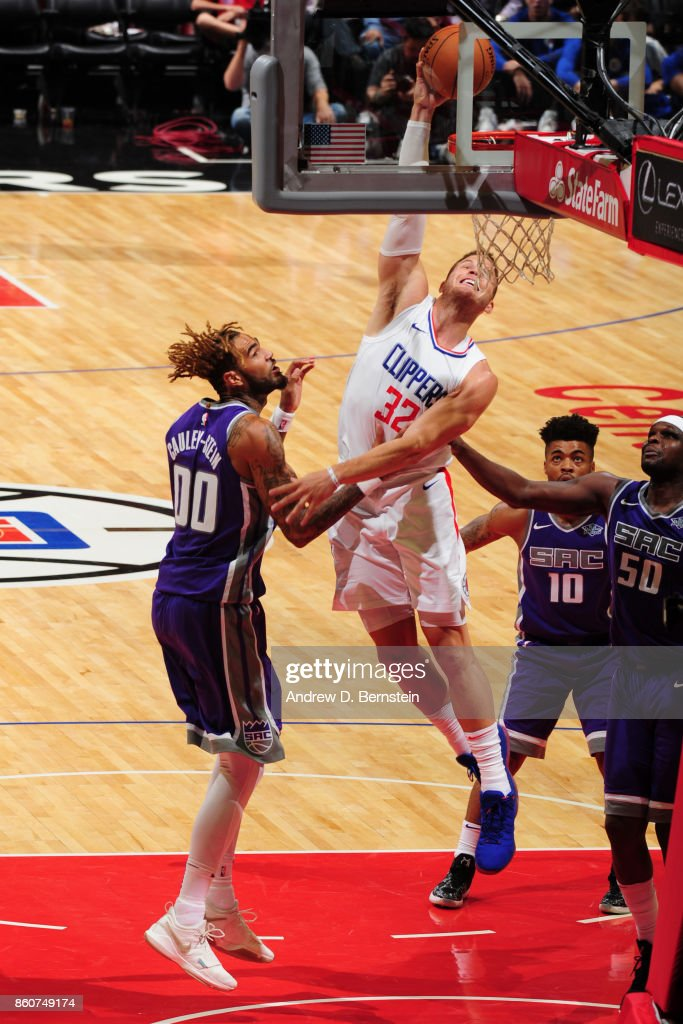 Blake Griffin #32 of the LA Clippers goes to the basket against the Sacramento Kings on October 12, 2017 at STAPLES Center in Los Angeles, California.