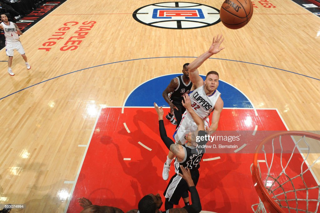 Blake Griffin #32 of the LA Clippers shoots the ball against the San Antonio Spurs on February 24, 2017 at STAPLES Center in Los Angeles, California.
