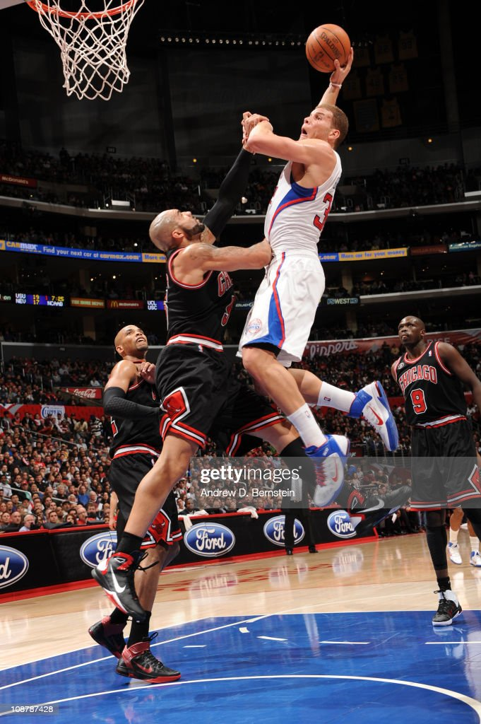Blake Griffin #32 of the Los Angeles Clippers goes up for a shot against Carlos Boozer #5 of the Chicago Bulls at Staples Center on February 2, 2011 in Los Angeles, California.