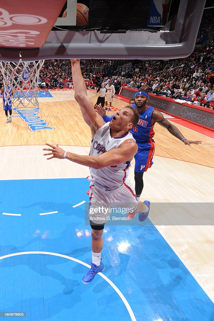 Blake Griffin #32 of the Los Angeles Clippers goes up for the layup against the Detroit Pistons at STAPLES Center on March 22, 2014 in Los Angeles, California.