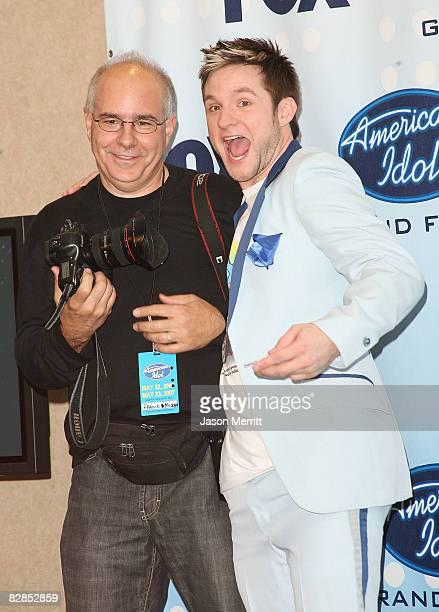 Blake Lewis and photographer Frank Micelotta