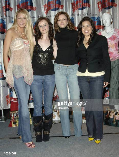 Blake Lively Alexis Bledel Amber Tamblyn and America Ferrera