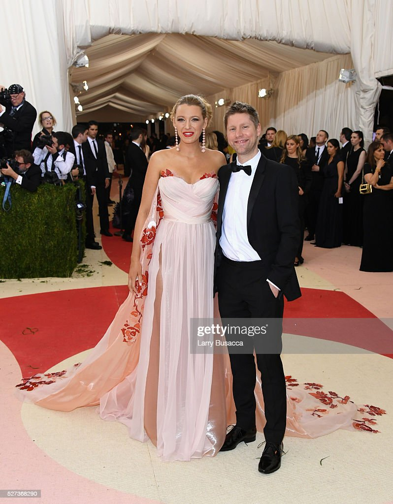 Blake Lively (L) and designer Christopher Bailey attend the 'Manus x Machina: Fashion In An Age Of Technology' Costume Institute Gala at Metropolitan Museum of Art on May 2, 2016 in New York City.