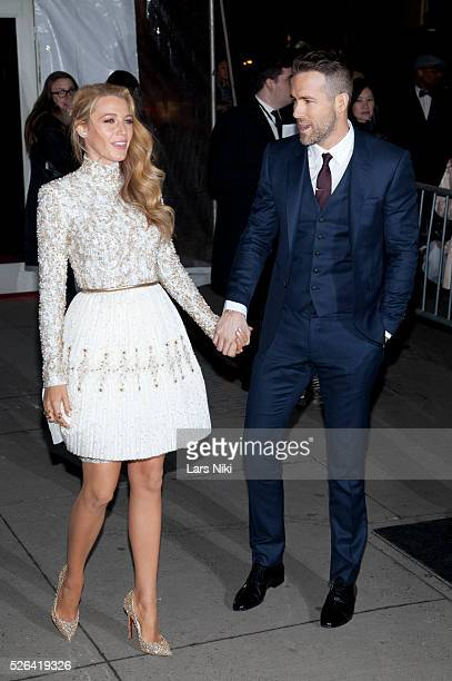 Blake Lively and Ryan Reynolds attend the '2016 amfAR' New York Gala outside arrivals at Cipriani Wall Street in New York City �� LAN