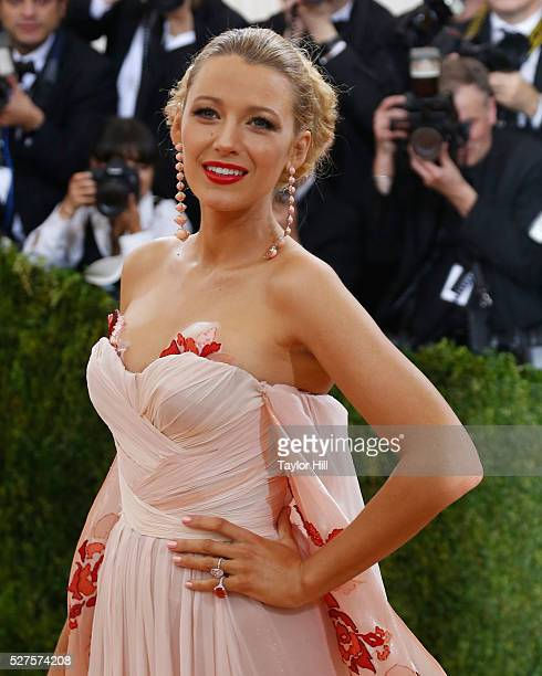 """Blake Lively attends """"Manus x Machina: Fashion in an Age of Technology"""", the 2016 Costume Institute Gala at the Metropolitan Museum of Art on May 02,..."""