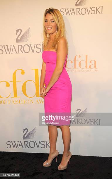 Blake Lively attends the 2009 CFDA Fashion Awards at Alice Tully Hall, Lincoln Center on June 15, 2009 in New York City.
