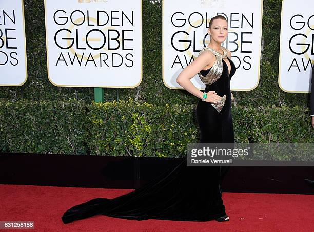 Blake Lively attends the 74th Annual Golden Globe Awards at The Beverly Hilton Hotel on January 8, 2017 in Beverly Hills, California.