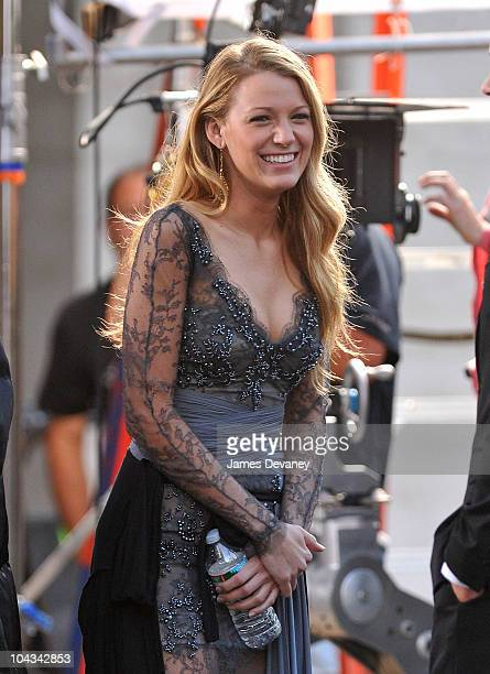 Blake Lively filming on location for 'Gossip Girl' on the streets of Manhattan on September 21 2010 in New York City