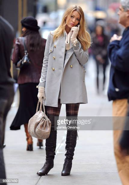 Blake Lively filming on location for 'Gossip Girl' on the streets of Manhattan on November 9 2009 in New York City