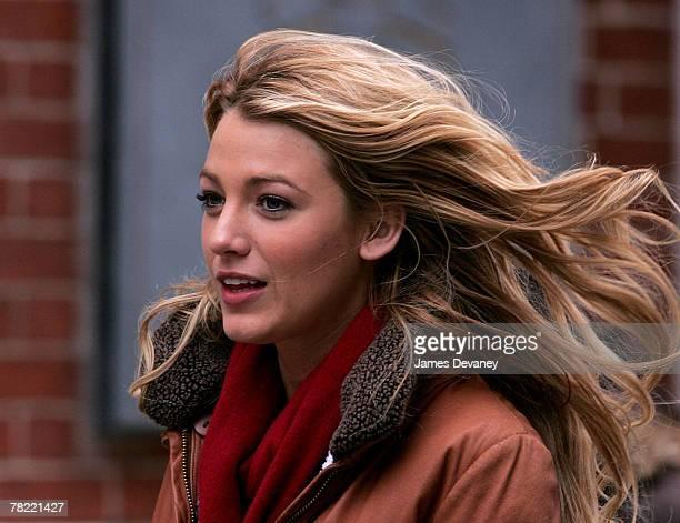 Blake Lively on location for 'Gossip Girl' November 27 2007 in New York City