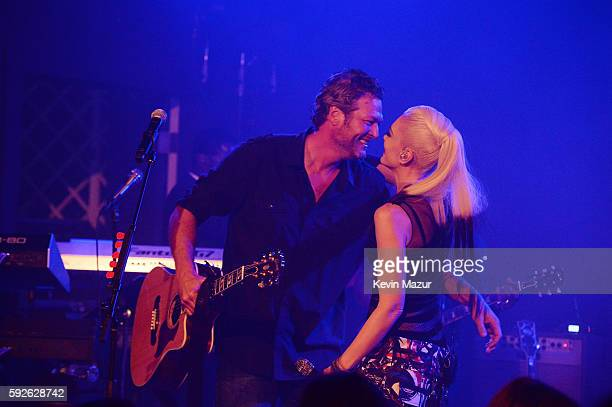 Blake Shelton and Gwen Stefani perform at Apollo in the Hamptons 2016 at The Creeks on August 20 2016 in East Hampton New York
