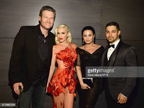 Blake Shelton Gwen Stefani Demi Lovato and Wilmer Valderrama attend the 2016 Vanity Fair Oscar Party Hosted By Graydon Carter at the Wallis Annenberg...