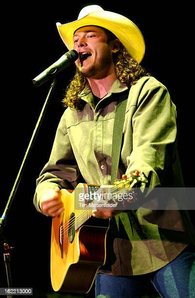 Blake Shelton performs as part of the Shock'n Y' All Tour 2003 at Shoreline Amphitheater on August 302003 in Mountain View California