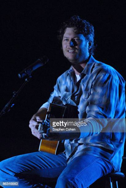 Blake Shelton performs during the 2009 Kentucky Derby Festival at Kroger's FestAVille On The Waterfront on April 30 2009 in Louisville Kentucky
