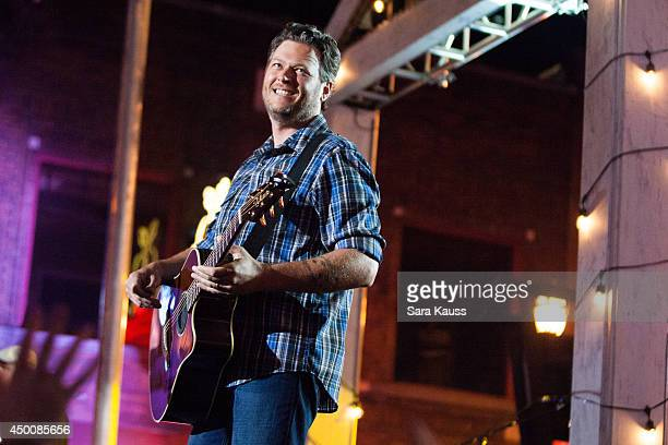Blake Shelton performs during the 2014 CMT Music awards at the Bridgestone Arena on June 4 2014 in Nashville Tennessee