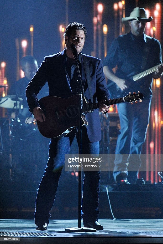 Blake Shelton performs during the 47th annual CMA awards at the Bridgestone Arena on November 6, 2013 in Nashville, Tennessee.