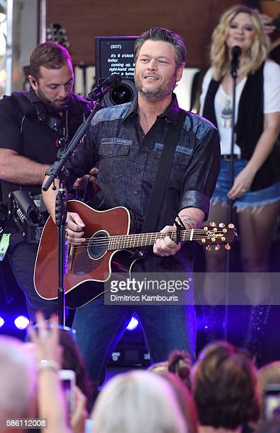 Blake Shelton performs on NBC's Today at Rockefeller Plaza on August 5 2016 in New York City
